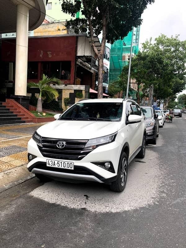 Thuê xe Toyota Rush 7 chỗ tự lái đà nẵng