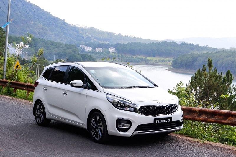 Xe ô tô 7 chỗ giá dưới 600 triệu