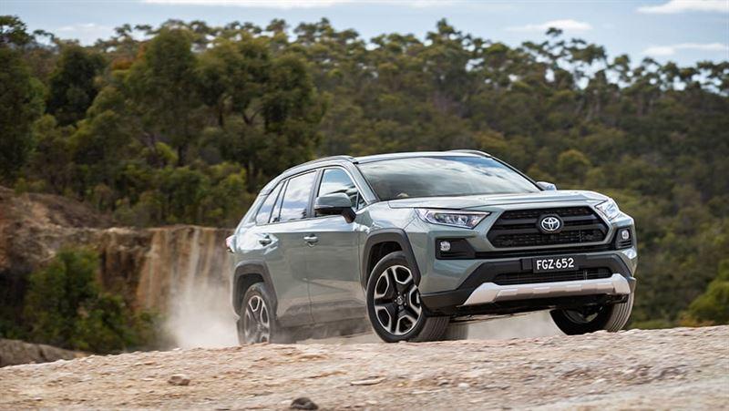 Toyota-RAV4-Edge-xe-5-cho-gam-cao